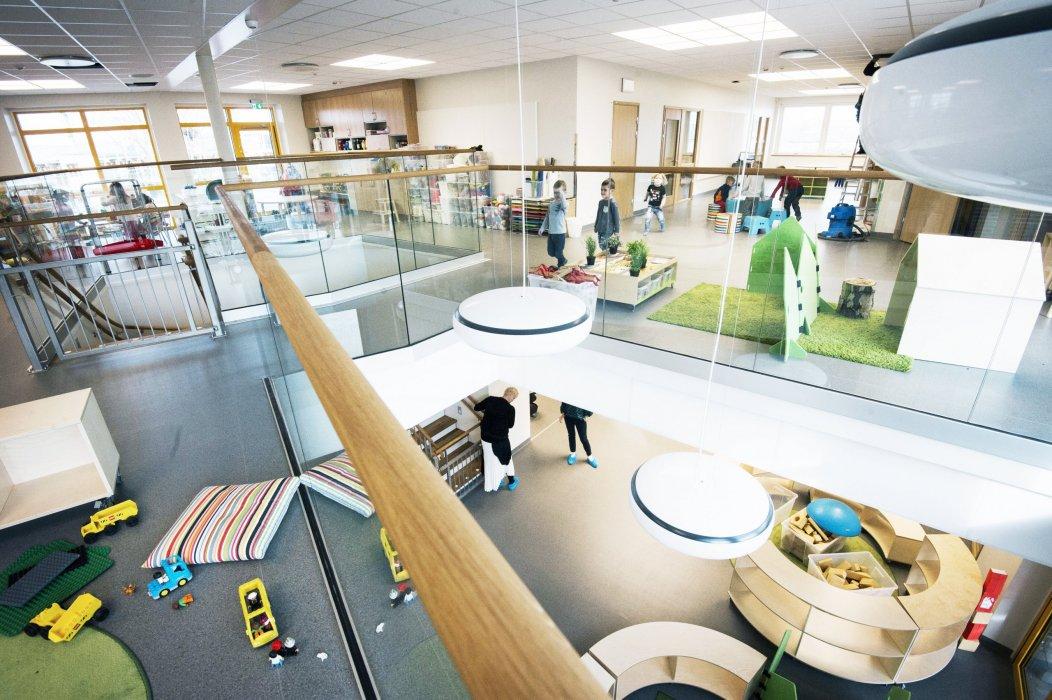Nu har barnen flyttat in på den nybyggda Äventyrets förskola i Höganäs.